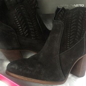 Vince Camuto size 7.5 cut out black booties